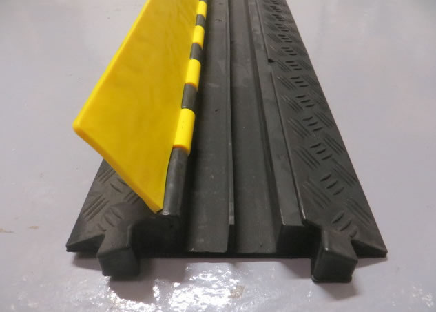 Rubber Lidded Hose/Pipe/Cable ramp